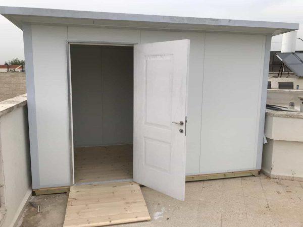 מחסן פאנל מבודד עם דלת סטנלי